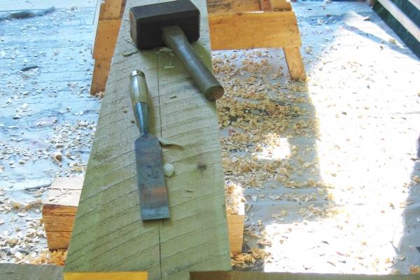 cutting-detail-chisel-mallet-28313BD89-617D-F7A4-3518-2DE6B5E5A519.jpg
