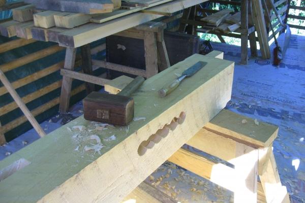 cutting-detail-chisel-mallet648E6048-6EF5-DF56-4BDA-4269FF09C20B.jpg