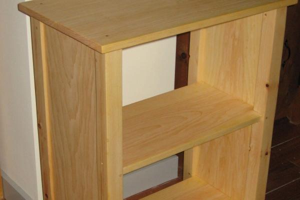 pine-stereo-shelfC2D67D77-A13F-6F0E-EECF-8D092818072D.jpg